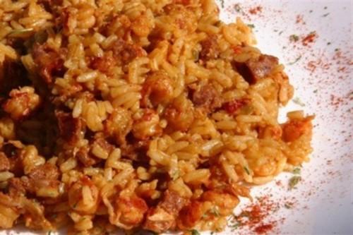 Рис з яловичиною і ковбасою «Джамбалайя»