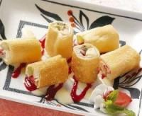 Роли сирно-фруктові в млинчиках