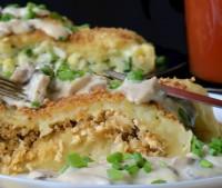 Рулет картопляний з овочами і куркою