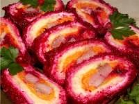 Рулет овочевий з скибочками оселедця