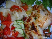 Риба фарширована, тушкована з овочами
