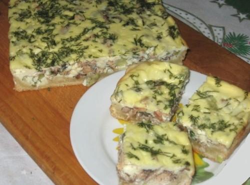 Рибний пиріг з сайра і сметаною