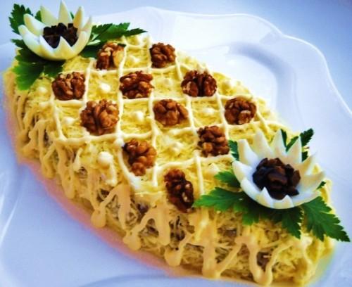 Рибний салат новорічний по-австрійськи