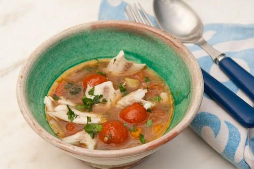 Рибний суп з консервів