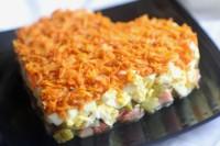 Салат для закоханих з лососем і огірочками