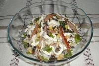 Салат грибний з селерою і солодким перцем