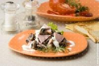 Салат з грибів з патиссонами і картоплею