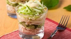 Салат з кальмарів з куркою
