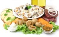 Салат з курки з сиром і грибами