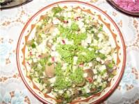 Салат з маслюків або білих грибів з хріном і яйцями