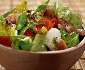 Салат з молодої картоплі зі скумбрією
