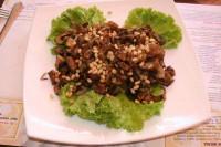 Салат з печених грибів з зеленню