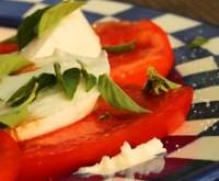 Салат з помідорів з насіннячками
