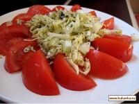 Салат з помідорів із сиром
