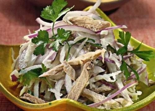 Салат з редьки і яловичини