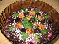 Салат з буряка і редьки з чорносливом