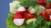 Салат зі свіжих овочів з апельсиновим соком