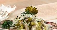 Салат з тріски з редисом