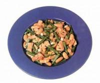 Салат з тунця і бобів