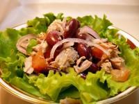 Салат з тунця з коренем селери