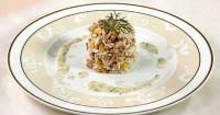 Салат з тунця з кукурудзою