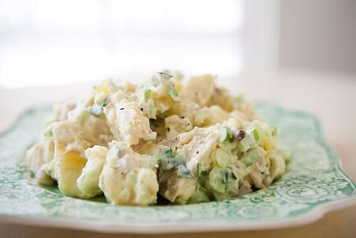 Салат картопляний під татарським соусом
