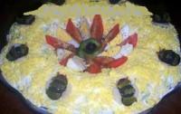 Салат новорічний з картоплею фрі і оселедцем «Жучки на снігу»