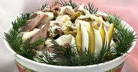 Салат гострий з солоними огірками і оселедцем