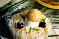 Салат пікантний з грибами