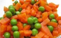 Салат пісний з морквою і зеленим горошком
