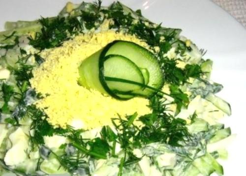 Салат святковий «Огірок з яйцем»