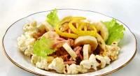 Салат з бананом і шинкою