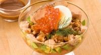 Салат з горбушею і авокадо