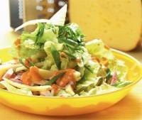Салат з грудинкою і сиром «Празький»