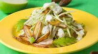 Салат з яблуком, фініками і сиром