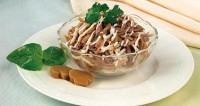 Салат з язиком і грибами