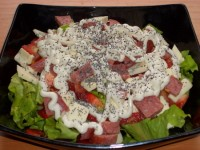 Салат з ковбасою «Незвичайний»