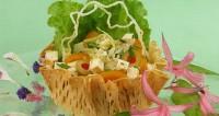 Салат з кус-кусом і лососем