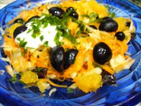 Салат з овочами і фруктами «Чорні очі»