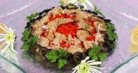 Салат з печінкою тріски і болгарським перцем
