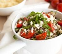 Салат з пшоном і сочевицею по-середземноморськи