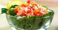 Салат з рисом і рибними консервами