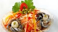 Салат з рибою холодного копчення
