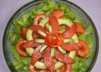 Салат з рибою і авокадо «Новорічний шарм»