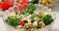 Салат з рибою і крабами