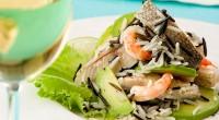 Салат з рибою і рисом