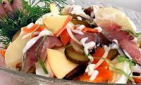 Салат з оселедцем і овочами