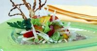 Салат з сиром пармезан і манго