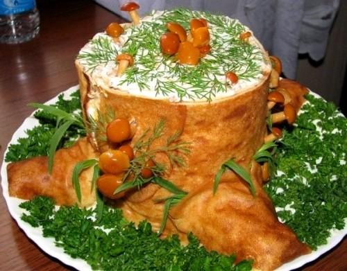 Салат з шинкою і грибами «Пеньок»