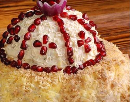 Салат «Шапка мономаха»: недорого і дуже красиво